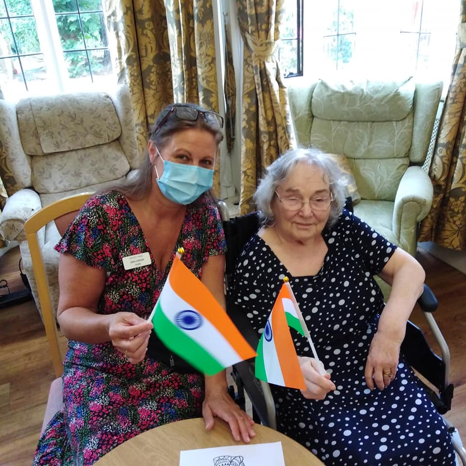 Sarah and resident on India Day