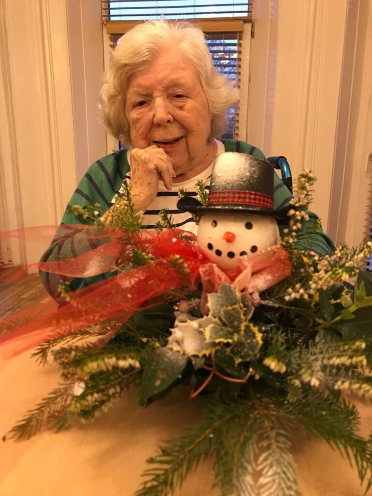 resident and snowman table centre