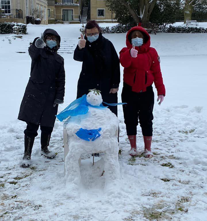 winter well-being - abberton-team-building-snowman