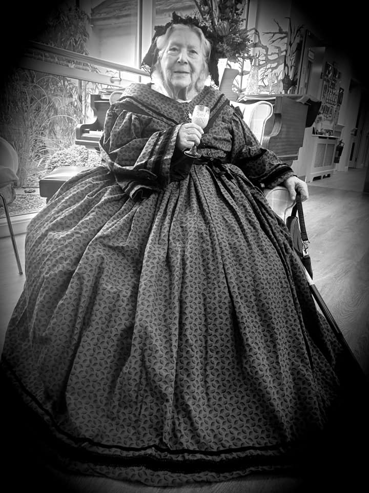 Lady resident as Queen Victoria - b/w